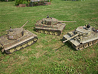 3 varients of Tiger 1, from left to right, Late / Mid and Early